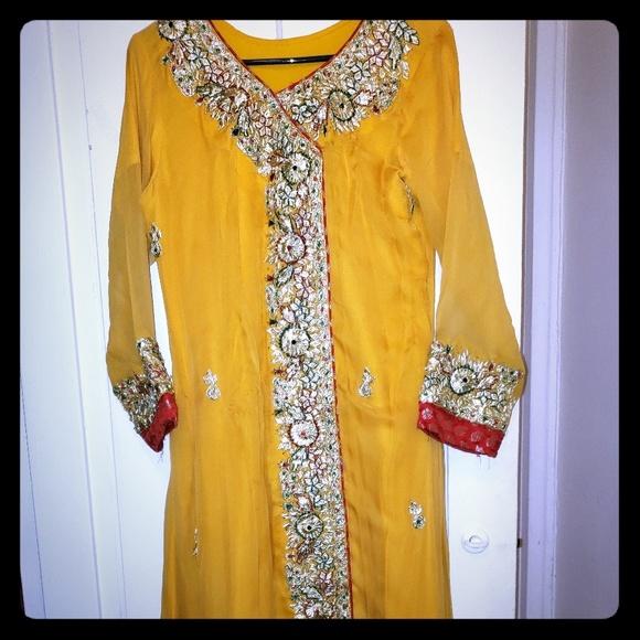 no brand Dresses & Skirts - Mehndi dress